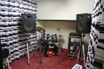 GuitarAmps…Marshall-40W・Peavey-40W ●BassAmp-Acoustic-40W ●PA…YAMAHA-4ch ●Drums…Pearl-2Tom2Si